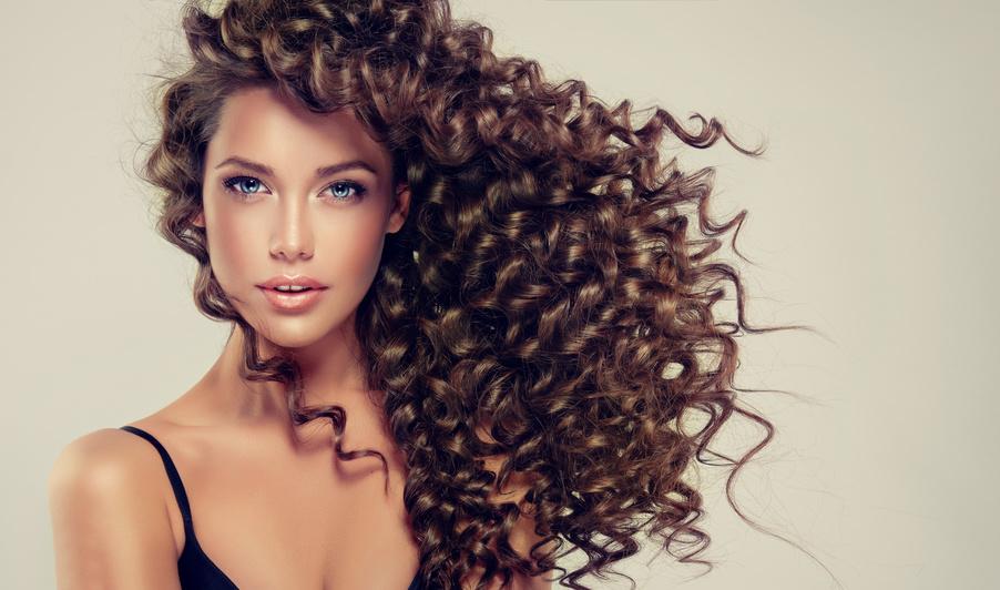 Como cuidar de cabelhos encaracolados